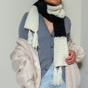 VINTAGE Chunky Knit Scarf With Fringe Ends Unisex